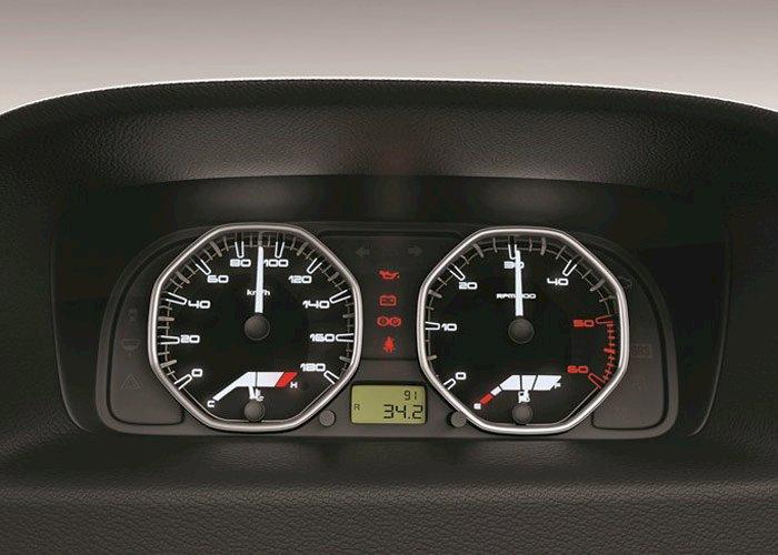 Tata Indigo eCS Interior Features and Images